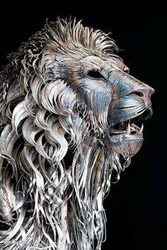 Escultor cria incrível leão de metal que parece ter vida própria Leão de Metal Escultura 2 640x963