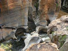 Bourke's Luck potholes Mount Rushmore, Lion Sculpture, Statue, Spaces, Mountains, Travel, Art, Art Background, Viajes