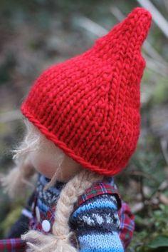 JuniKate: Wie du eine spitzenmäßige Elfenmütze (nicht nur) für Puppenkinder strickst!
