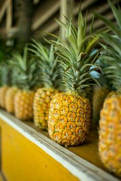 Image via: Driving Me Coconuts - Gal Meets Glam Fruit And Veg, Fruits And Vegetables, Fresh Fruit, Juicy Fruit, Exotic Fruit, Tropical Fruits, Colorful Fruit, Pineapple Express, Pineapple Fruit