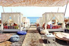 Jojo summer beach bar, Perivolos beach, Santorini 1