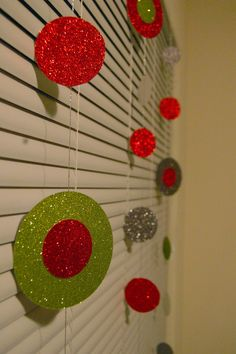 DIY Christmas decor - Homemade With Love. This will be fun to do with the girls :)