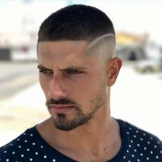 coiffure homme 2018 degrade avec trait #hairstyles