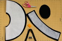 materials for floppy fedora Sewing Hacks, Sewing Projects, Sewing Tips, Sewing Ideas, Hat Patterns To Sew, Sewing Patterns, Wide Brim Sun Hat, My Sewing Room, Block Dress