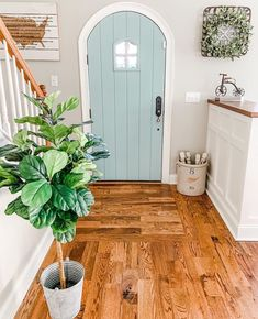 31 Gorgeous Modern Farmhouse Door Entrance Design Ideas - House Plans, Home Plan Designs, Floor Plans and Blueprints Style At Home, Entrance Design, Entrance Rug, House Goals, My New Room, Cozy House, Home Decor Items, Home Fashion, Trending Fashion