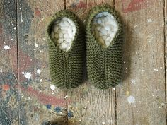 Ravelry: Retro Thrum Slippers pattern by Fen Roessingh