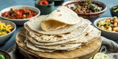 Gjør tacofredagen komplett med hjemmelagde tortillalefser. Disse tortillaene er enkle og lage og tar cirka en halvtime å få ferdig.