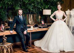 Com uma história de vida que parece enredo de novela, ele faz sucesso entre noivas paulistanas com os vestidos criados em seu ateliê nos Jardins