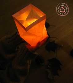 Waldorf Paper Lantern Tutorial at half price (Knecht Ruprecht Waldorfdolls) Dyi, Nature Table, Knecht Ruprecht, Writing Paper, Dark Night, Paper Lanterns, Hallows Eve, Step By Step Instructions, Beams