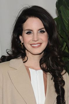 Lana Del Rey -- engaged?