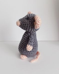 Little grey mouse crochet pattern via instant PDF download.