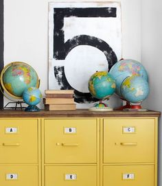 Spray-painted yellow and topped with plywood, three Goodwill filing cabinets morph into a storage unit. DIY 2 drawer filing cabinet and turn into D's nightstand, spray paint blue Painted Furniture, Diy Furniture, School Furniture, Office Furniture, Diy Casa, The Design Files, Blog Deco, Home And Deco, Home Organization
