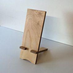 Handy-Zubehör - Handyhalter aus Holz - ein Designerstück von Schreinerei-Maier bei DaWanda