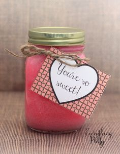 Easy Pink Sugar Scrub Valentine's Day Gift with Printable Label | Everything Pretty