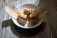 Τα 10+3 καλύτερα brunch της Αθήνας - www.olivemagazine.gr Bagel, Brunch, Bread, Food, Places, Brot, Essen, Baking, Meals
