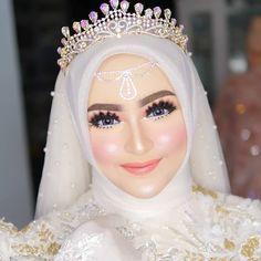 Hijabi Wedding, Wedding Hijab Styles, Kebaya Wedding, Muslimah Wedding Dress, Muslim Wedding Dresses, Princess Wedding Dresses, Dream Wedding Dresses, Wedding Bride, Bridal Hijab