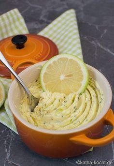 Citroen boter - Butter und Co - Lemon Butter Sauce Pasta, Garlic Butter Shrimp, Flavored Butter, Lemon Recipes, Sauce Recipes, Fish Recipes, Seafood Recipes, Seafood Boil, Bread Recipes