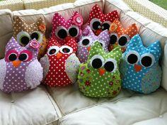 El yapımı elyaf dolgu rengarenk baykuş yastıklar. 30*40 ebadında