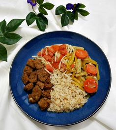 Tempeh & Baked Vegetables and Brown Rice it's one  of my preferred meal, it's so much tasty and healthy #vegan, #veganfoodshare, #vegansofig, #plantbased, #whatveganseat