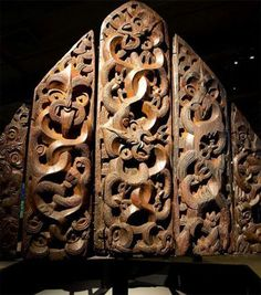 Motunui epa: Maori storehouse carvings returned home after 150 years buried in a swamp, European exile - ABC News (Australian Broadcasting Corporation) Arte Tribal, Tribal Art, Abstract Sculpture, Wood Sculpture, Bronze Sculpture, Maori Face Tattoo, Polynesian Culture, Polynesian Art, Maori Patterns