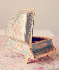 Trinket Jewelry Box Japan Wow Vintage Florentine Grand Piano Figural Music Box Antiques