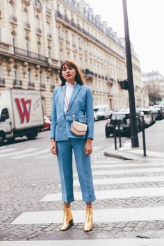 suits for women professional work outfits suits for women business chic blue suit Fashion Week Paris, Fashion Night, Spring Fashion, Fashion Fashion, Work Fashion, Fashion Trends, Fashion Women, High Fashion, Fashion Online