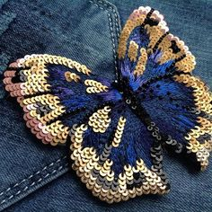 Hand Embroidery and Its Types - Embroidery Patterns Tambour Embroidery, Bead Embroidery Jewelry, Gold Embroidery, Embroidery Fashion, Modern Embroidery, Hand Embroidery Patterns, Embroidery Stitches, Crazy Quilting, Broderie Simple