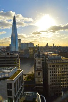 prettiest-places-in-london-great-fire-of-london-monument