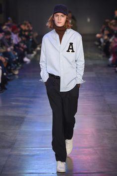 パリ・ファッションウィークで披露されたアミ アレクサンドル マテュッシの2017年秋冬コレクションをチェック。