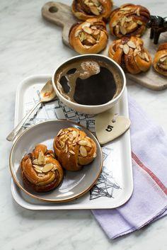 Swedish Cinnamon Buns {Kanelbullar} | http://saltandwind.com