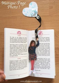 Billiges Vatertagsgeschenk DIY Marque-Page Photo d& (Idée Cadeau Facile pour la fête des Grand. Simple Gifts, Easy Gifts, Picture Gifts, Photo Gifts, Diy Marque Page, Diy For Kids, Crafts For Kids, Grandmother's Day, Photo Bookmarks