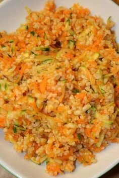 Bulgur salad with carrots and zucchini, Ptitchef recipe - - Veggie Recipes, Vegetarian Recipes, Delicious Vegan Recipes, Healthy Recipes, Zucchini, Organic Recipes, Ethnic Recipes, Tomate Mozzarella, Eating Organic