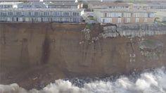 Una ciudad en EE.UU. se cae literalmente por un acantilado al océano por culpa de El Niño