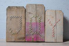 JOY - borduren op hout