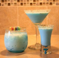 Fruit Loop 1oz Blue Curacao 1oz Cream 1oz Three Olives Loopy Vodka Instructions Mix & serve chilled or on the rocks. Garnish with Fruit Loops or orange slice.