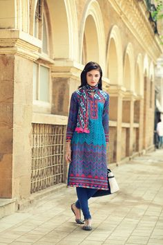 Long+kurta+inspired+by+traditional+Jaipur+prints+in+contemporary+cut.+Throw+in+a+contrasting+scarf+around+the+neck+to+make+a+style+statement+that's+uniquely+yours.