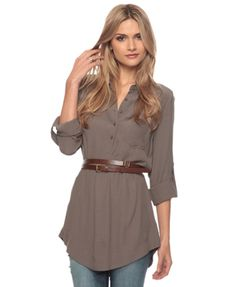 Cutesy woven tunic with a sweet wrap around belt Simple Style, My Style, Classic Style, Comfy Casual, Material Girls, Have Time, Style Guides, Dress To Impress, Fashion Forward