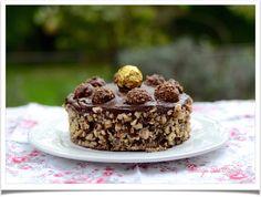 Gâteau aux Ferrero rochers | Nuage De Farine