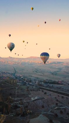 This was one of the most beautiful mornings of my life! This hot air balloon ride was totally a dream come true! Beautiful Photos Of Nature, Beautiful Places To Travel, Amazing Nature, Cool Places To Visit, Romantic Travel, Sunset Photography, Travel Photography, Balloons Photography, Slow Motion Photography