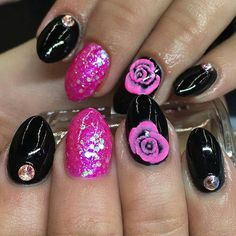 Hot pink 3-D roses by @triciabaldwin!