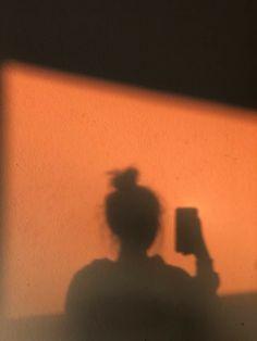 Orange Aesthetic, Sky Aesthetic, Bad Girl Aesthetic, Aesthetic Photo, Aesthetic Pictures, Shadow Photography, Tumblr Photography, Photography Poses, Silhouette Photography