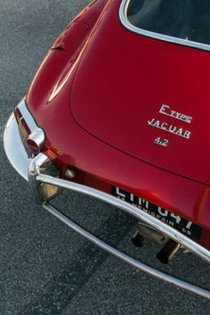 I've actually seen a Jaguar E-Type in my town. It truly is a gorgeous car. Old Vintage Cars, Old Cars, Vintage Sports Cars, Classy Cars, Sexy Cars, Automobile, Mercedez Benz, Pretty Cars, Jaguar E Type