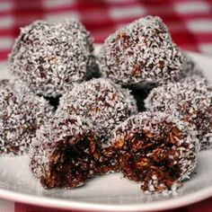 Perfect Newfoundland Snowballs Recipe - just like Nan made! The Perfect Newfoundland Snowballs Recipe - Rock Recipes - Rock RecipesThe Perfect Newfoundland Snowballs Recipe - Rock Recipes - Rock Recipes Rock Recipes, Candy Recipes, Sweet Recipes, Holiday Recipes, Cookie Recipes, Dessert Recipes, Christmas Cooking, Christmas Desserts, Christmas Chocolate