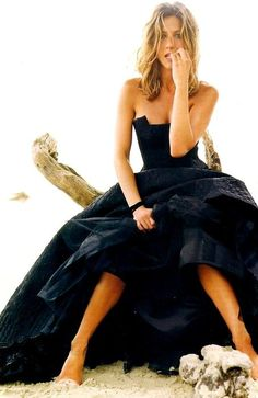 Jennifer Aniston wears a black gown