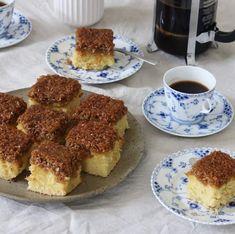 Drømmekage - traditionel opskrift - Maria Vestergaard Danish Dessert, Tiramisu, Tea Time, French Toast, Appetizers, Snacks, Baking, Breakfast, Ethnic Recipes