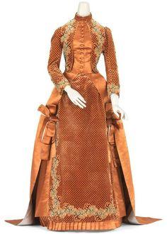 1884 House of Worth Silk Afternoon Dress. (National Gallery of Victoria) Vintage Dresses, Vintage Outfits, Vintage Clothing, Victorian Dresses, Tea Gown, Shades Of Peach, Silk Gown, Silk Satin, Orange Fashion