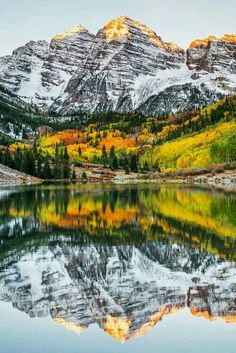 Yet another beautiful view of the Maroon Bells (Colorado 14ers) reflected in East Maroon Lake. To discover new Colorado hiking trails, check out https://missadventurepants.com/colorado-hikes/