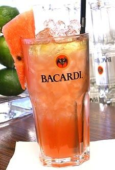 Don Facundo: Lime, watermelon and Bacardi. Happy summer! :)