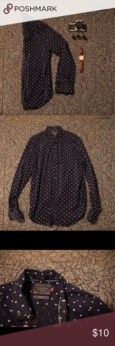 Star Slim Fit Button Down One of my favorite star shirts! Like new. If you are interested in a bundle just comment below! Cactus Shirts Casual Button Down Shirts