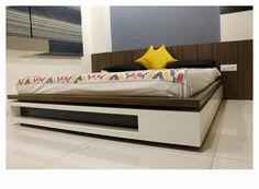 Bedroom Bedroom Bed Design, Bedroom Furniture Design, Bed Furniture, Bedroom Sets, Home Decor Bedroom, Modern Bedroom, Bedrooms, Double Bed Designs, Pooja Room Door Design